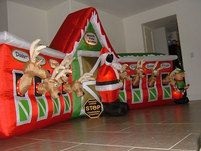 Gemmy Airblown Inflatable Reindeer Stable with All 8 Reindeer Huge ...