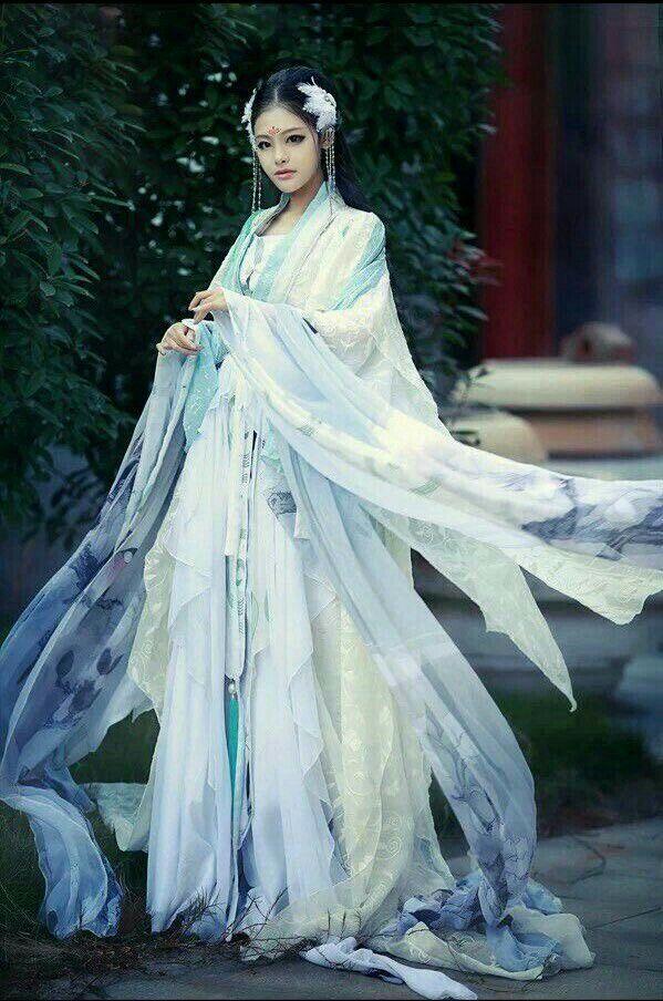 Pin By Nevenka On Seducing Hanfu China 패션 스타일 드레스 전통 의상