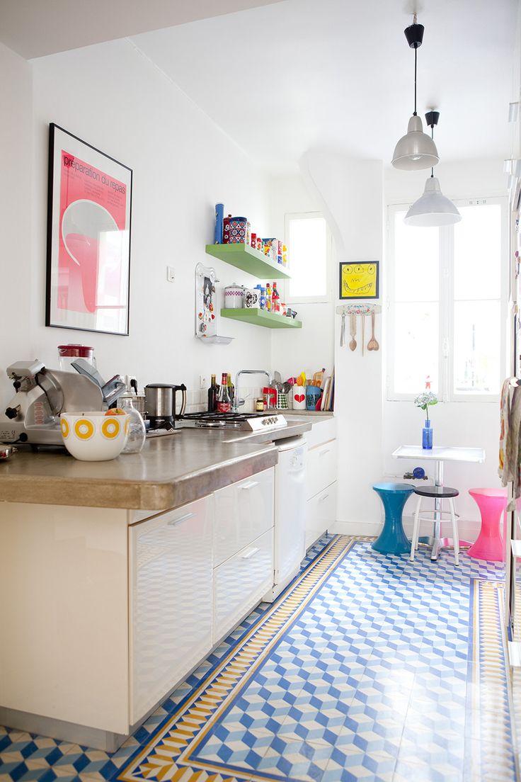 Camille Hermand Architectures Photo: Julie Ansiau   J'adore cette photo de @decofr ! Et vous ? (Source : http://www.deco.fr/photos/diaporama-appartement-moderne-vintage-d_4401)