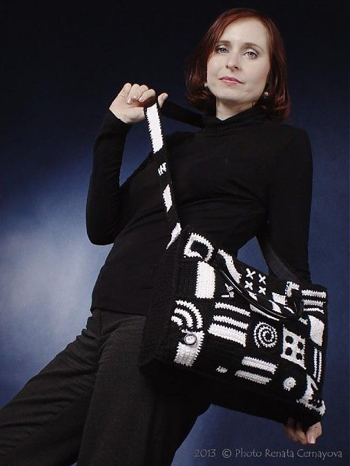 Čierno-biela patchworková kabelka