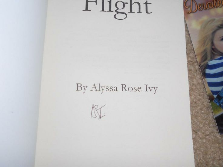 Flight (The Crescent Chronicles #1) by Alyssa Rose Ivy