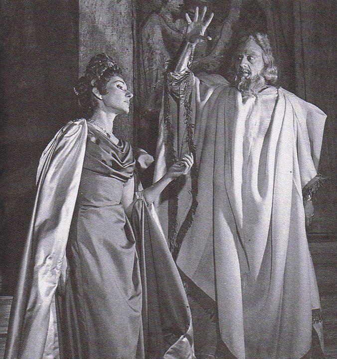 MAΡΙΑ ΚΑΛΛΑΣ - ΝΙΚΟΣ ΖΑΧΑΡΙΟΥ MARIA CALLAS - NICOLA ZACCARIA POLIUTO Teatro alla Scala di Milano 1960 Milano Giorno e Notte - We Love You! www.milanogiornoenotte.com