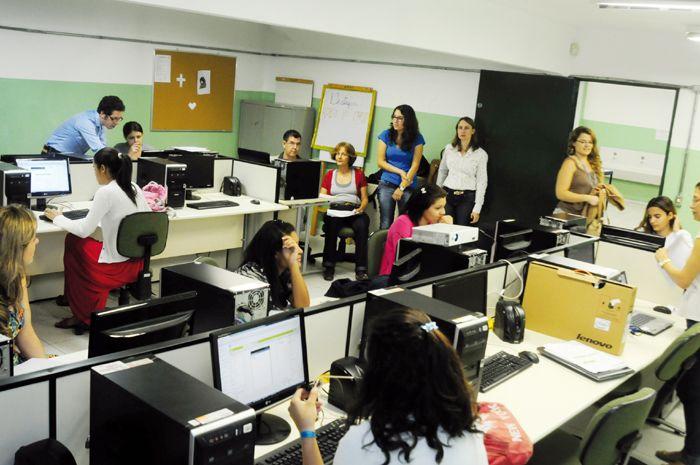 Projeto de pesquisa quer revelar, a alunas do ensino médio, o potencial da área