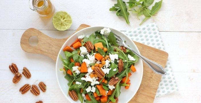 Zoete aardappel salade met geitenkaas - Mind Your Feed