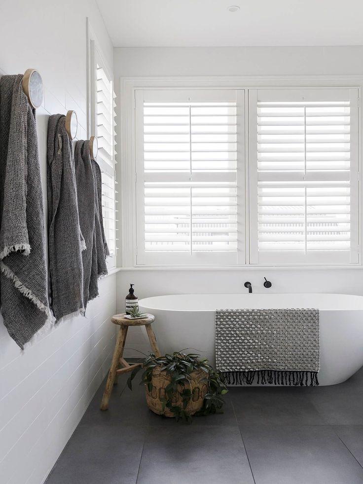 Bathroom | monochrome