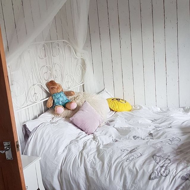 A complete redesign in both style and colours for my nieces bedroom #interior design #interiorstyle #beachy #beachystyle #calmcolouring #myhouse #bedroomdecor #girlsbedroom #driftwooddecor #morganinteriors #restyle #bedroomdesign #bedroomideas #finditstyleit #housetour #houserenovation #wallpapersdirect #wallpaperdirect #ikeabed - Architecture and Home Decor - Bedroom - Bathroom - Kitchen And Living Room Interior Design Decorating Ideas - #architecture #design #interiordesign #diy…