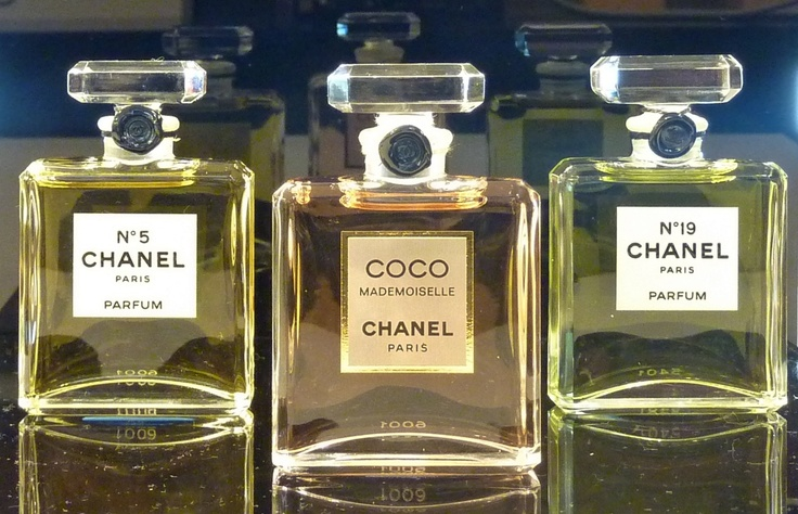 Chanel parfum No.5 - Coco Madmoiselle - No.19