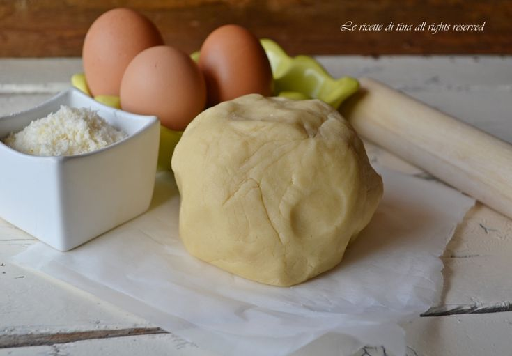 Pasta frolla salata ricetta base per preparare deliziosi biscotti,crostate salate e sfiziosi antipasti