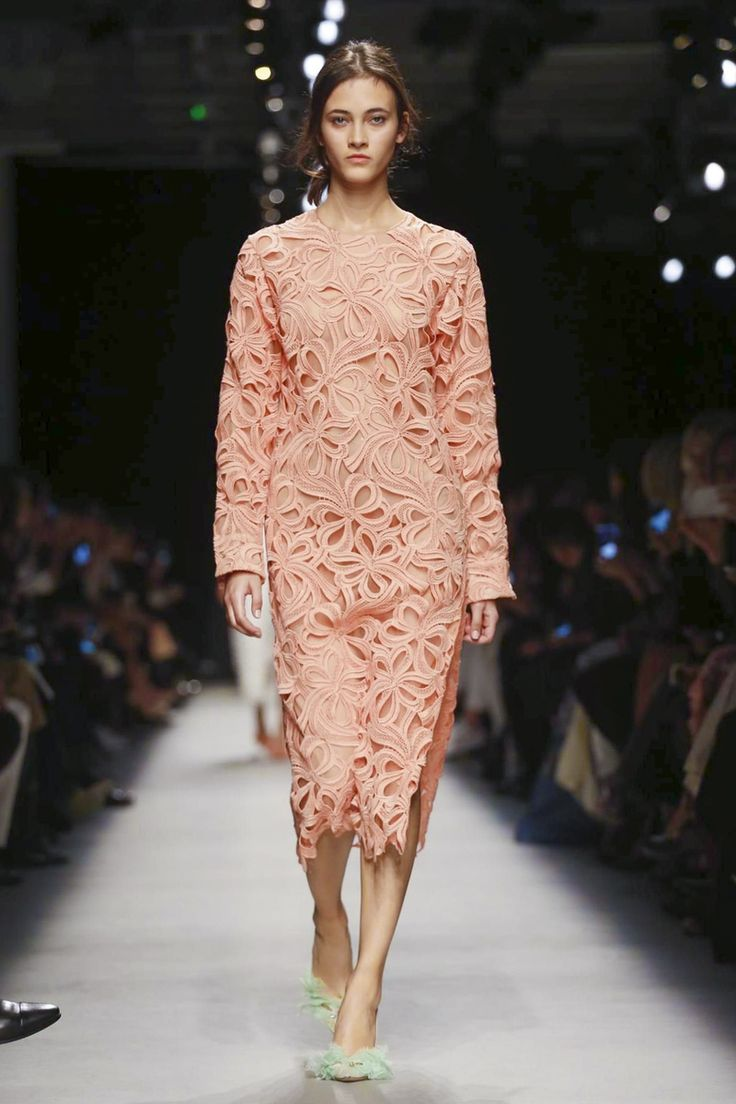 Rochas Show Ready to Wear Collection Spring Summer 2016 in Paris