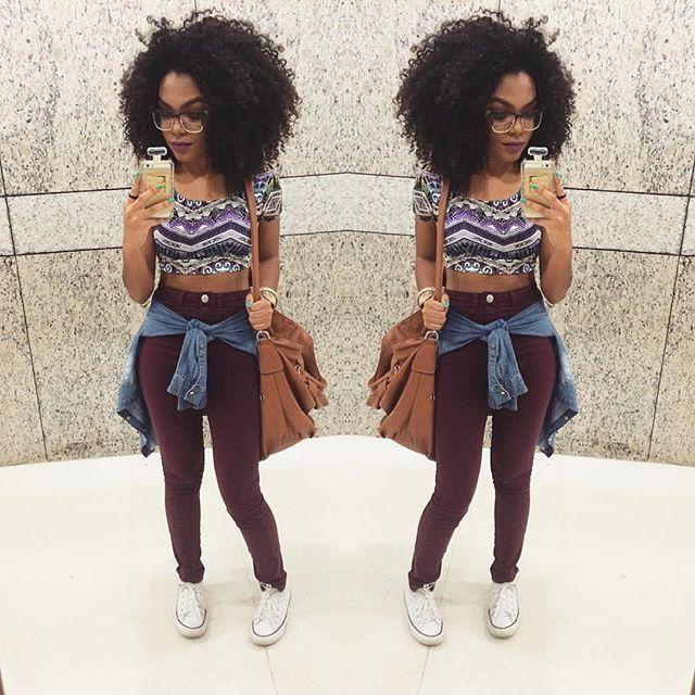 Look  TopCropped: @visubg | calça de cintura alta: @lojayoucom