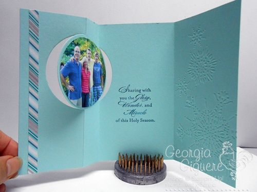 Holiday Photo Card using Circle Card Thinlit - open!  #SU  #thinlit  #christmas