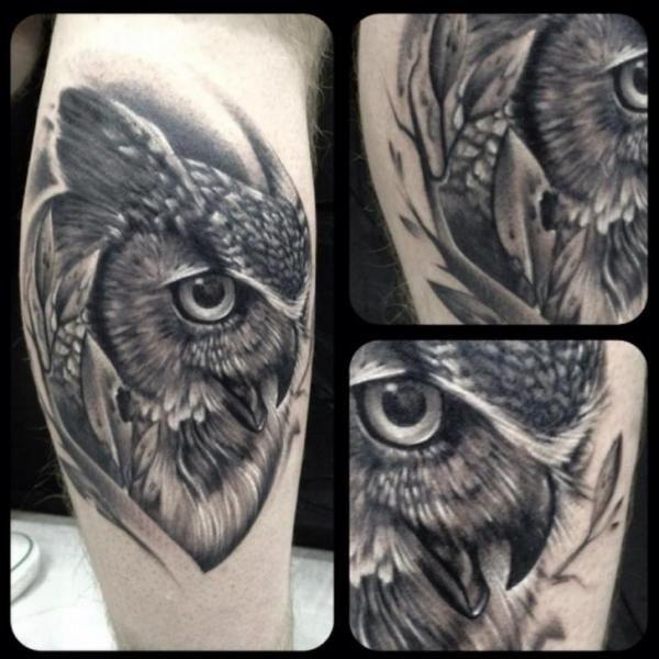 Tatouage Bras Réaliste Hibou par Underworld Tattoo Supplies