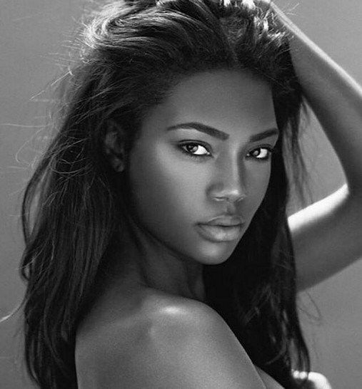 118 Portrait Photography Black And White Women 00020 -6282