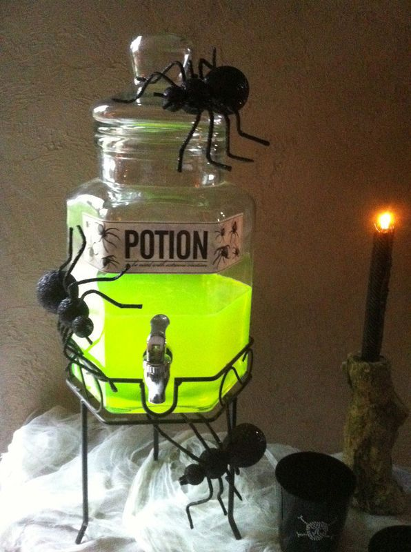 Potion : would be fun to have giant ants on a Halloween buffet table. I love the bright color of the #potion #halloween