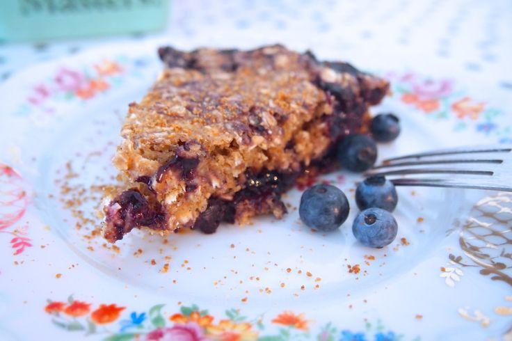 DE GROENE MEISJES // vegan glutenfree blue berrie pie for breakfast