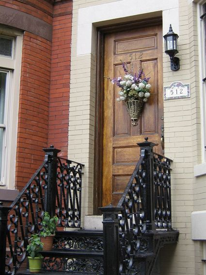Bouquets on the door are a decorative touch...this doorway is in Southeast & 76 best Doors of DC images on Pinterest | Washington dc Windows ... Pezcame.Com