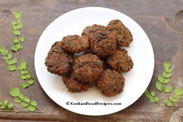 Drumstick Leaves Fritters Recipe. Mashinga Palle Ambado in Konkani. They're crispy, crunchy, spicy & delicious.  KonkaniFoodRecipes.com