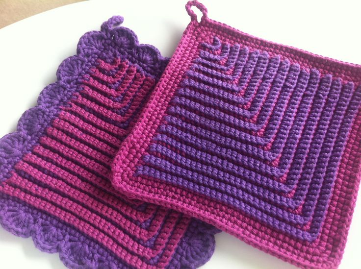German Potholders By Cindasaur - Free Crochet Pattern - (ravelry)/ these look amazing! must try for gifts.