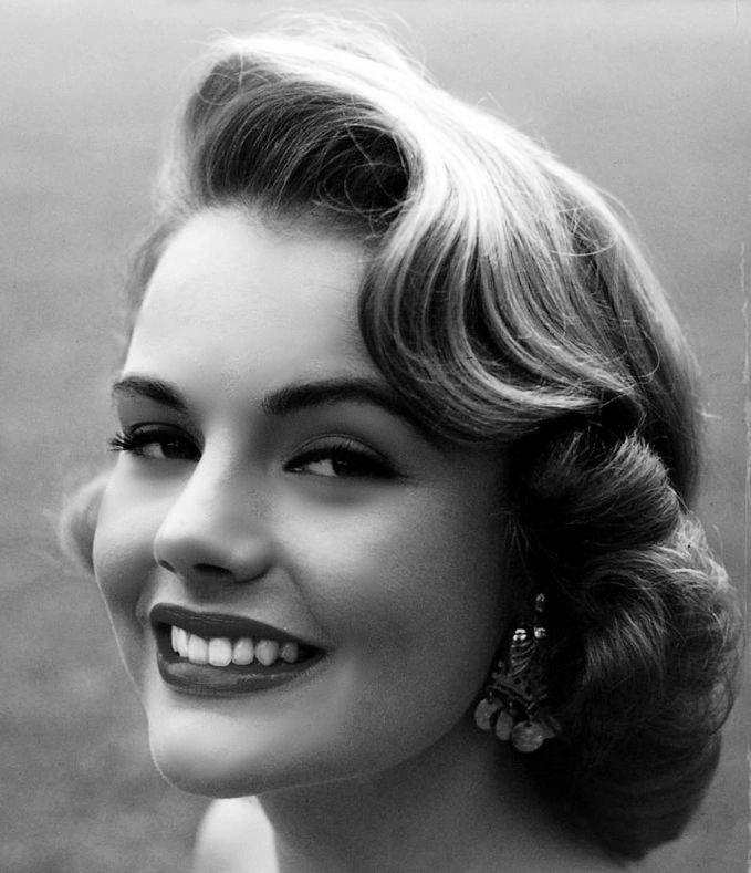 Starlet & Miss USA 1953, Myrna Hansen, at Universal Talent School in Hollywood, 1954
