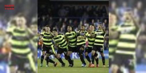 Yok böyle hikaye!: İngiltere #championship play-off finalinde normal süresi ve uzatma devreleri golsüz biten maçta Reading'e penaltılarla 4-3 üstünlük sağlayan Huddersfield Town, Premier Lig'e çıkan son takım oldu