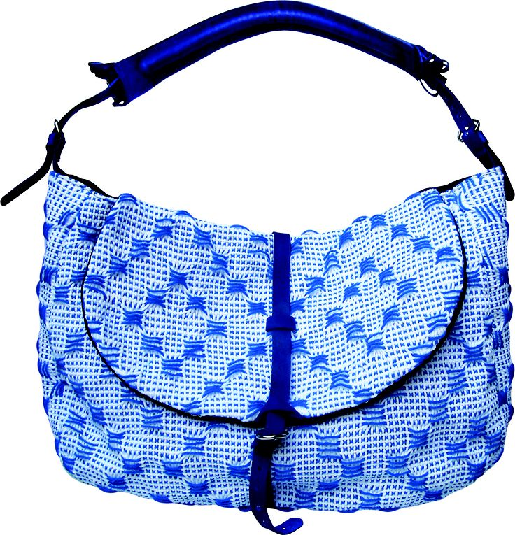 Tombola bag in handwoven fabric matto blue. 100% cotton. leather handle and details