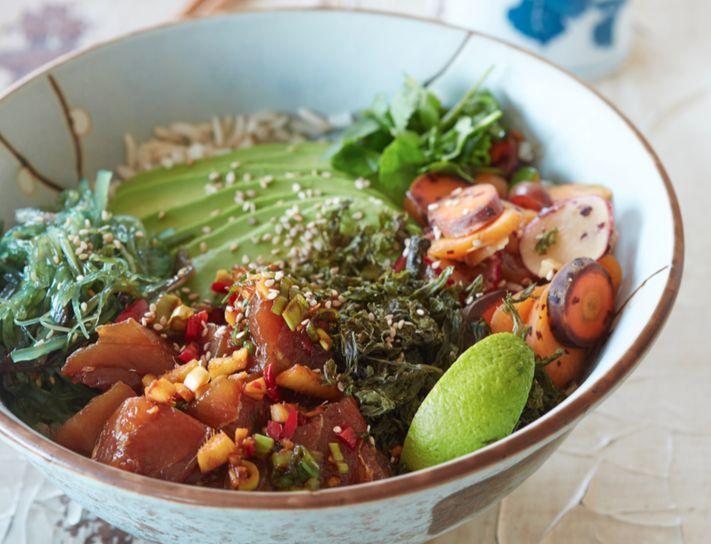Recept: Poké Bowl en win het boek Spoonful of Love
