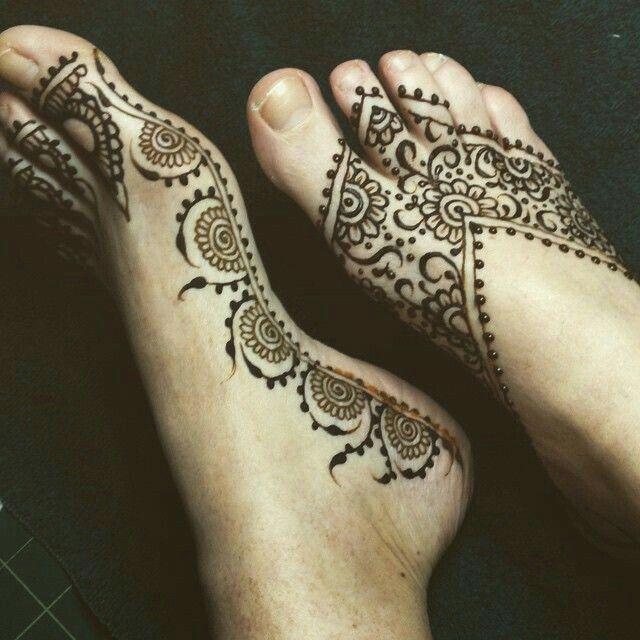 Mehendi tattoos piercings pinterest henn mod les - Modele de henna ...
