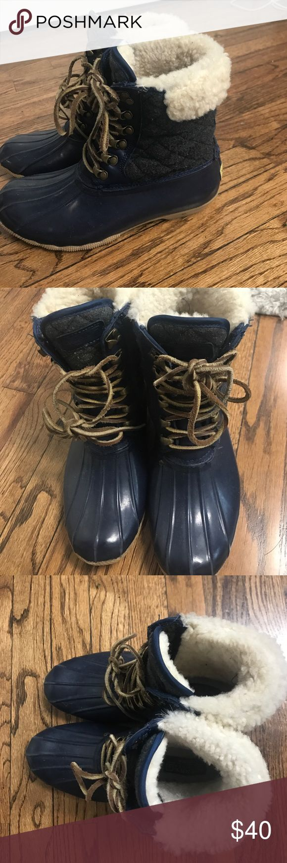 Sperry duck boots Women's duck boots size 7 great for rain and snow. Navy and grey with white trim fur Sperry Top-Sider Shoes Winter & Rain Boots