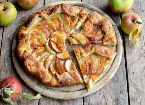 rustic apple galette | Cookies | Cakes | Desserts | Candy | Pinterest