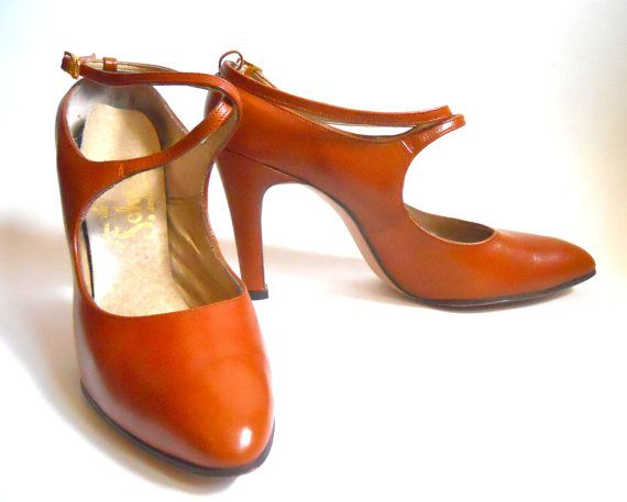Vintage Caramel Leather 1970s Strappy High Heel от DorotheasCloset