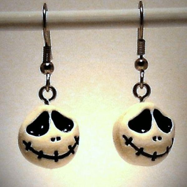 Ohrringe Skull aus Fimo handgemacht Edelstahl  von Verrückte Ohrringe und Schmuck Welt auf DaWanda.com