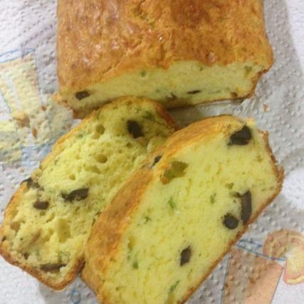 """750g vous propose la recette """"Cake aux olives"""" publiée par yakari."""