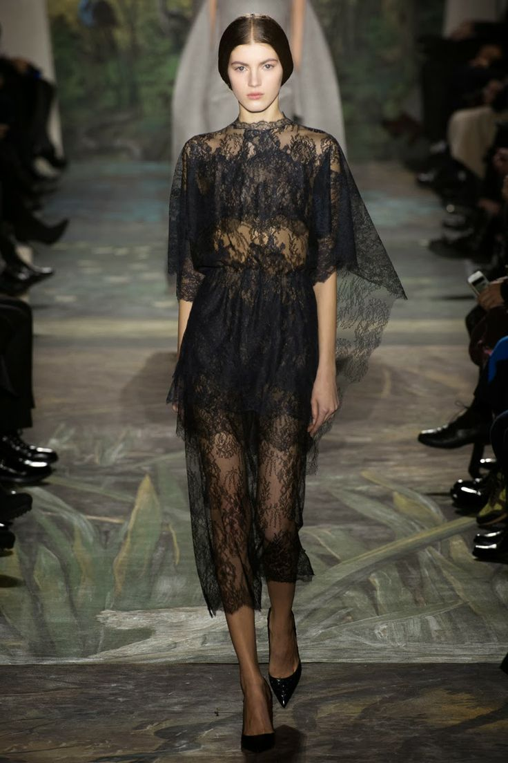 1000 images about valentino haute couture on pinterest for Haute couture fashion house