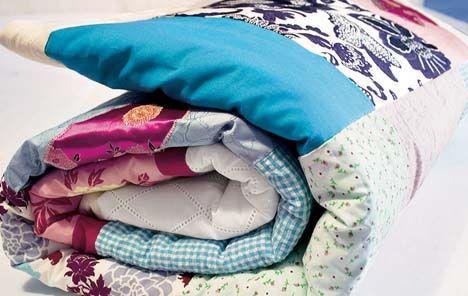 Ob Krabbel- oder Picknickdecke, Sofa- oder Bettüberwurf – die Patchworkdecke ist ein echtes Multitalent – und ideal zum Kuscheln