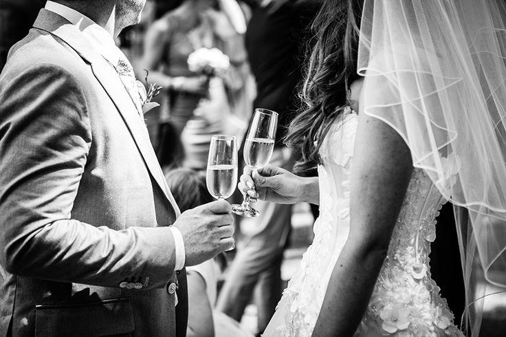 Bruid en bruidegom tijdens receptie, #bruidsfotograaf Dario Endara