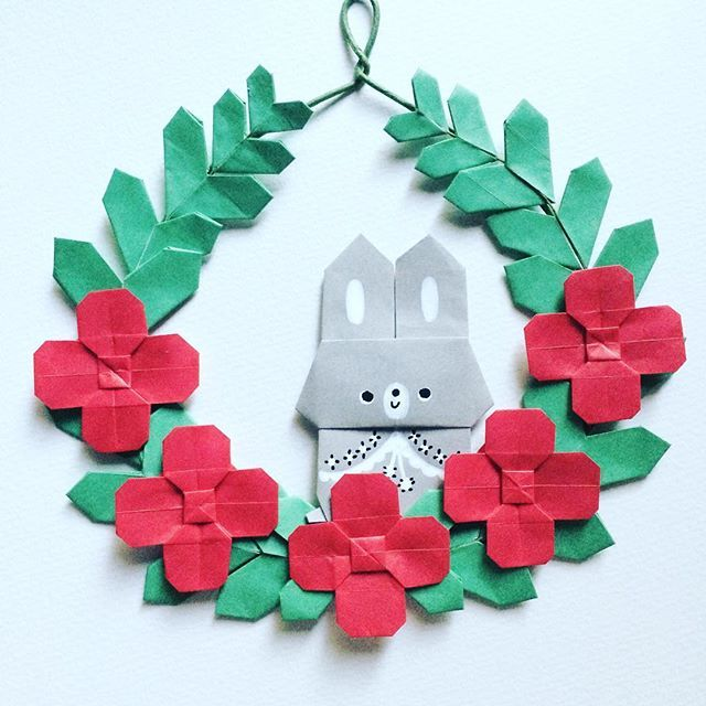 お花畑からぴょんと飛び出た。 A bunny jumped out of the flower garden. #origami #papercraft #paperflowers #wreath #garland #collage #walldecor #flowergarden #おりがみ #折り紙 #ペーパークラフト #ペーパーフラワー #リース #ガーランド #うさぎ #たかはしなな #手作り