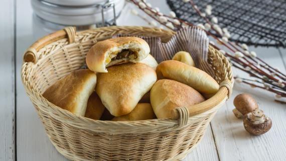 Постные пирожки с картошкой и грибами, пошаговый рецепт с фото