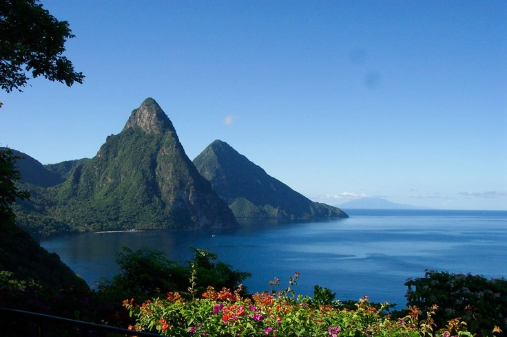 Explore The Beauty Of Caribbean: The Pitons St Lucia