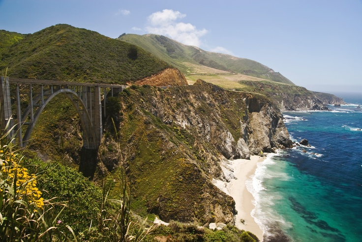 Highway #1 / Big Sur in Californië. Tip: je moet echt van noord naar zuid rijden over deze weg om al het moois goed te kunnen zien