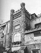 È la palazzina liberty più famosa di Napoli