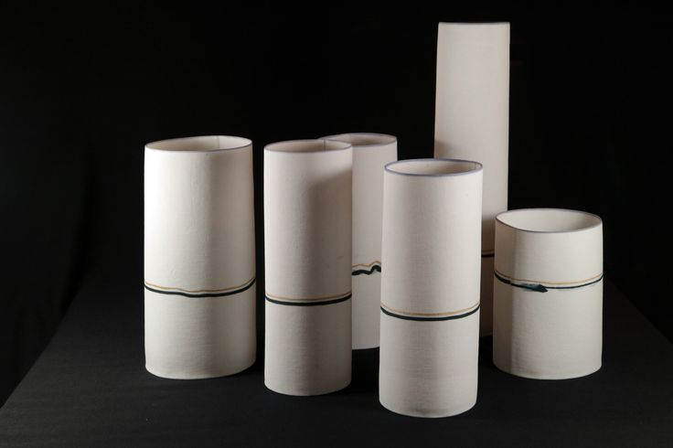 Wied en Diederik Heyning. Vessels, porcelain. Samenspel van cylindrische vormen uit translucide porselein