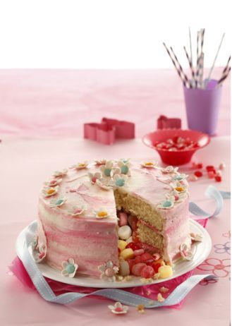 Pink Cake for little girls by Callie Maritz and Mari-Louis Guy (Cakebread)