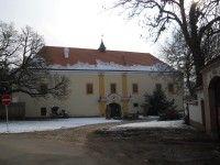 Tvrz Třebotov-muzeum nočníků a toalet