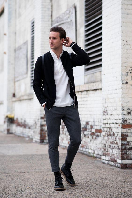 Esporte Fino. Macho Moda - Blog de Moda Masculina: Esporte Fino Masculino, Dicas para Inspirar! Moda Masculina, Roupa de Homem, Moda para Homens, jaqueta Preta, Camisa Gola Padre Branca, Calça Alfgaiataria cinza, Bota Preta