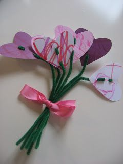 Bunches of Love! Bouquet of #Valentine Hearts (pinned by Super Simple Songs: http://www.pinterest.com/simplesongs/)