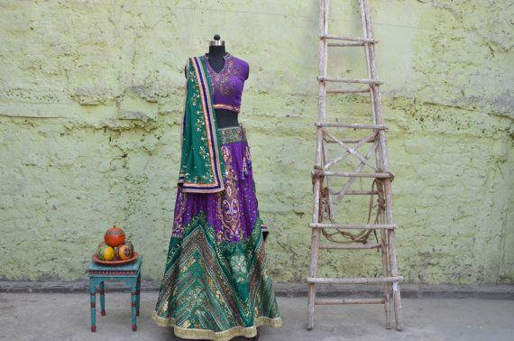 En venta nupcial paquistaní de indio lehenga púrpura y verde