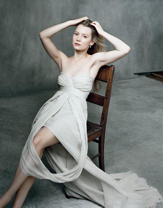 Mia Wasikowska, October 2009 #Australia #celebrities #MiaWasikowska Australian celebrity Mia Wasikowska loves http://www.kangabulletin.com