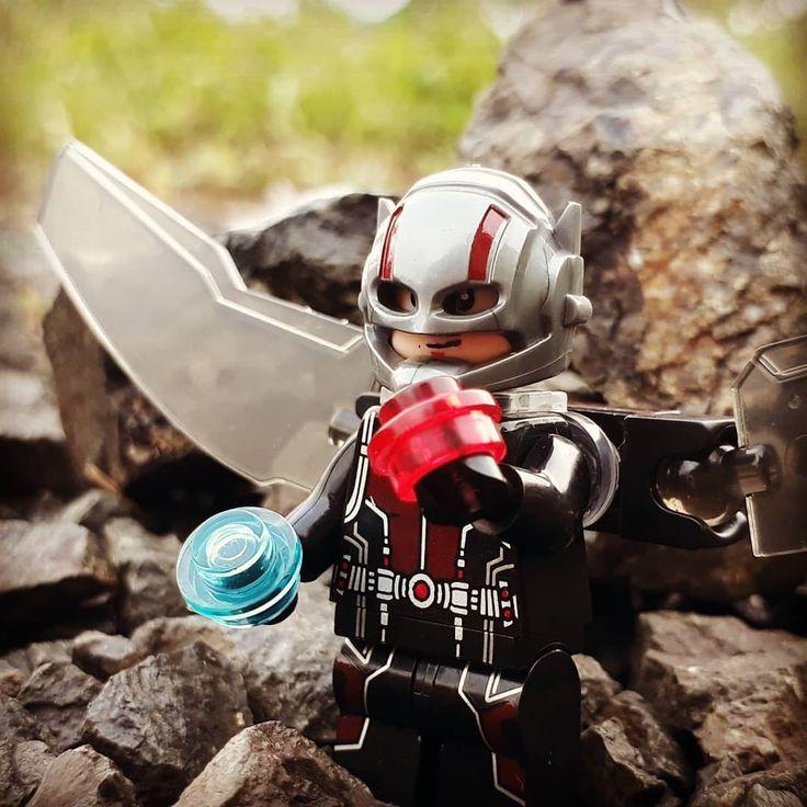Just another Ant-man n Winter Soldier . . . #legophotography #legostagram #legosuperheroestoday #legoquickreview #legostagram #legominifigures #comic #marvel #mcu  #lego #minifigures #legobricks #toptoyphotos_lego #toygraphy #toptoyphotos #toyart #brickcentral #bricknetwork #legomarvelsuperheroes #toyphotography #bootleglego #legoantman #legowintersoldier #legoscottlang #legobuckybarnes