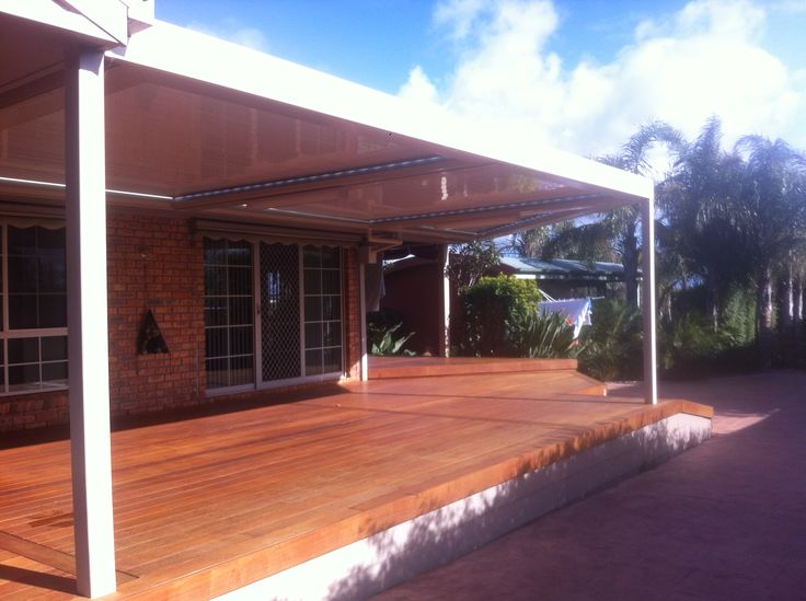 Multi-bank Louver roof with Aluminium frame over lovely deck area