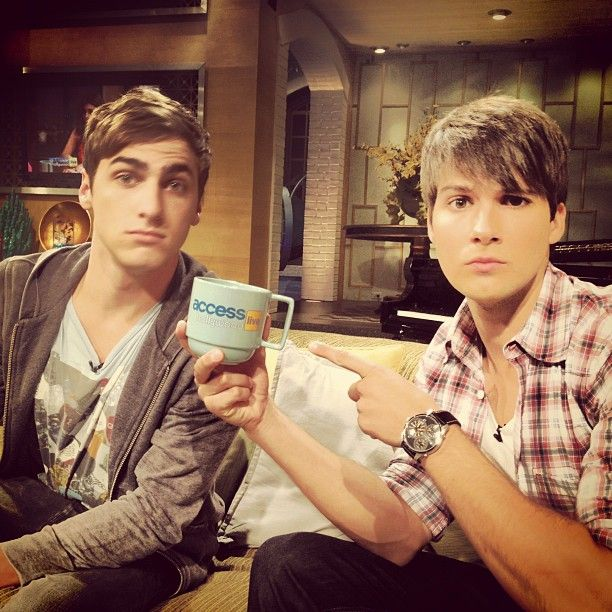 Big time rush Kendall Schmidt & James Maslow in Access Hollywood